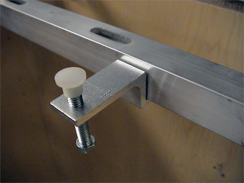 Offset Sink Undermount Accessory Kit, QNOF